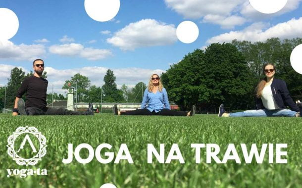 Joga na trawie